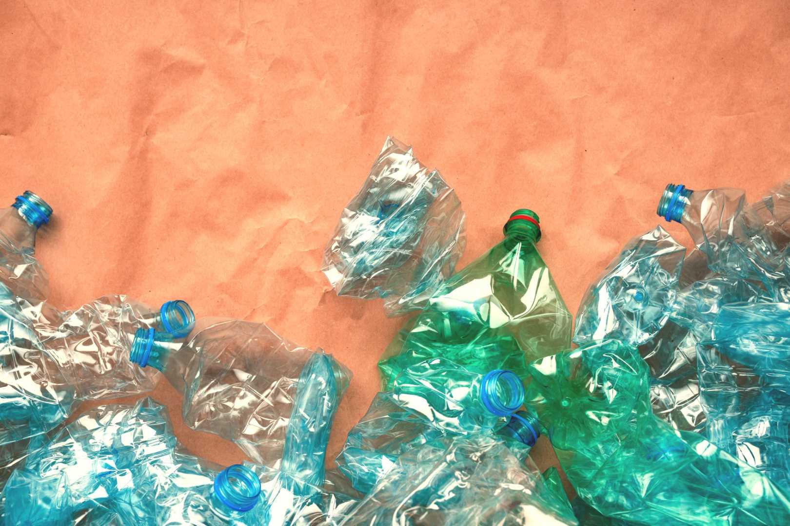 ragioni abbandonare acqua in bottiglia