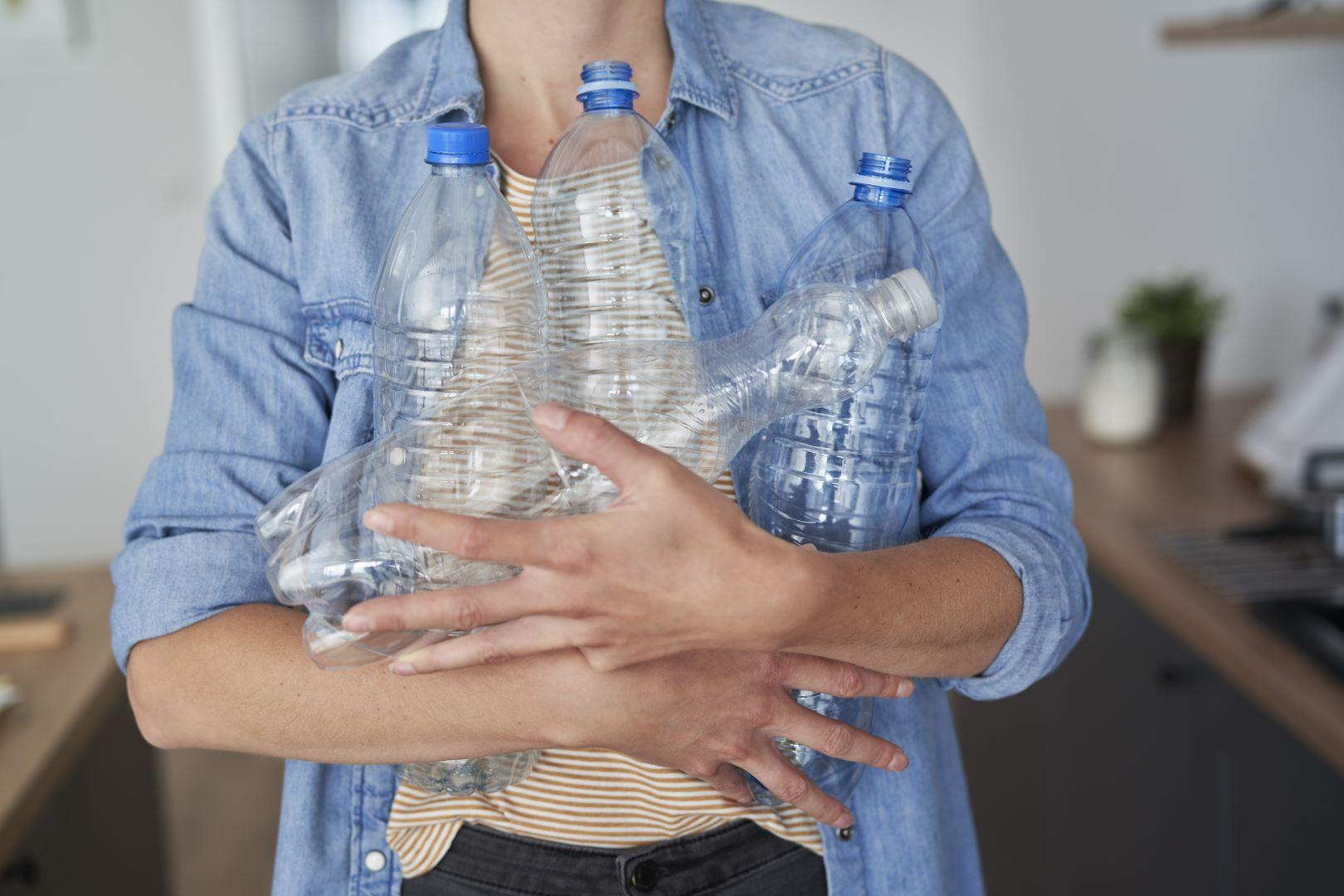 motivi per non acquistare più le bottiglie d'acqua in plastica